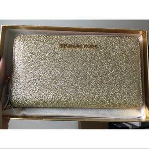 MK Lg Flat Glitter Leather Wristlet